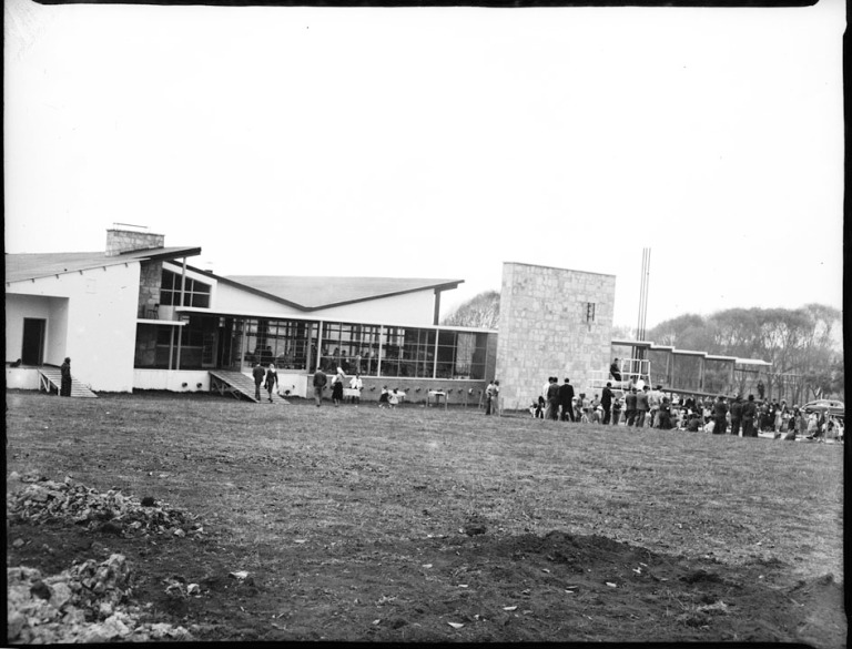 Edificio central del Club Los Lagartos. Foto Sady González