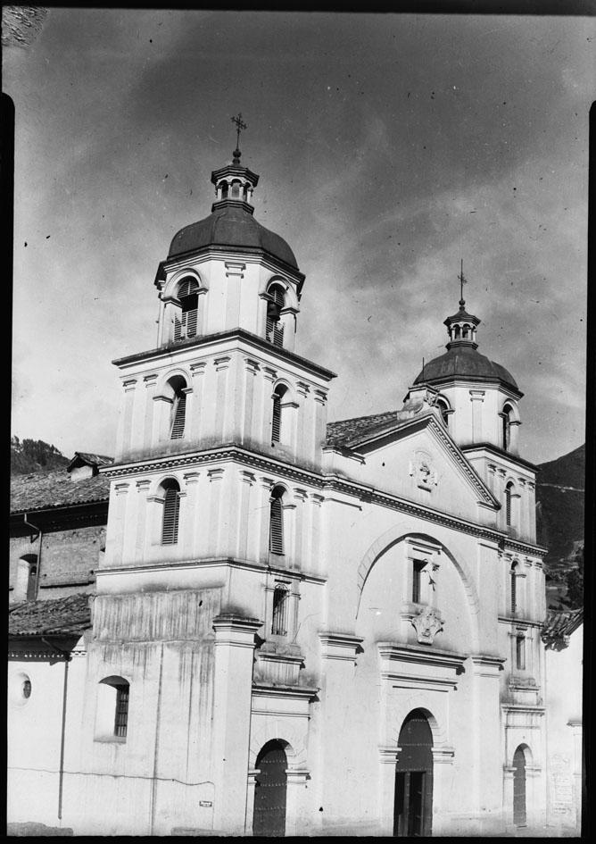 Fachada de la iglesia de La Candelaria