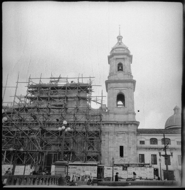 Modificación de la torre norte y el techo de la Catedral Primada de Colombia