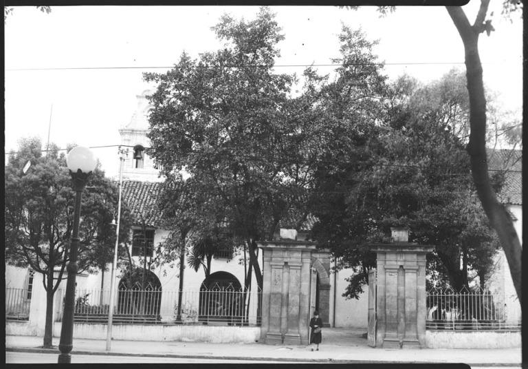 Puerta de entrada a la iglesia de San Diego