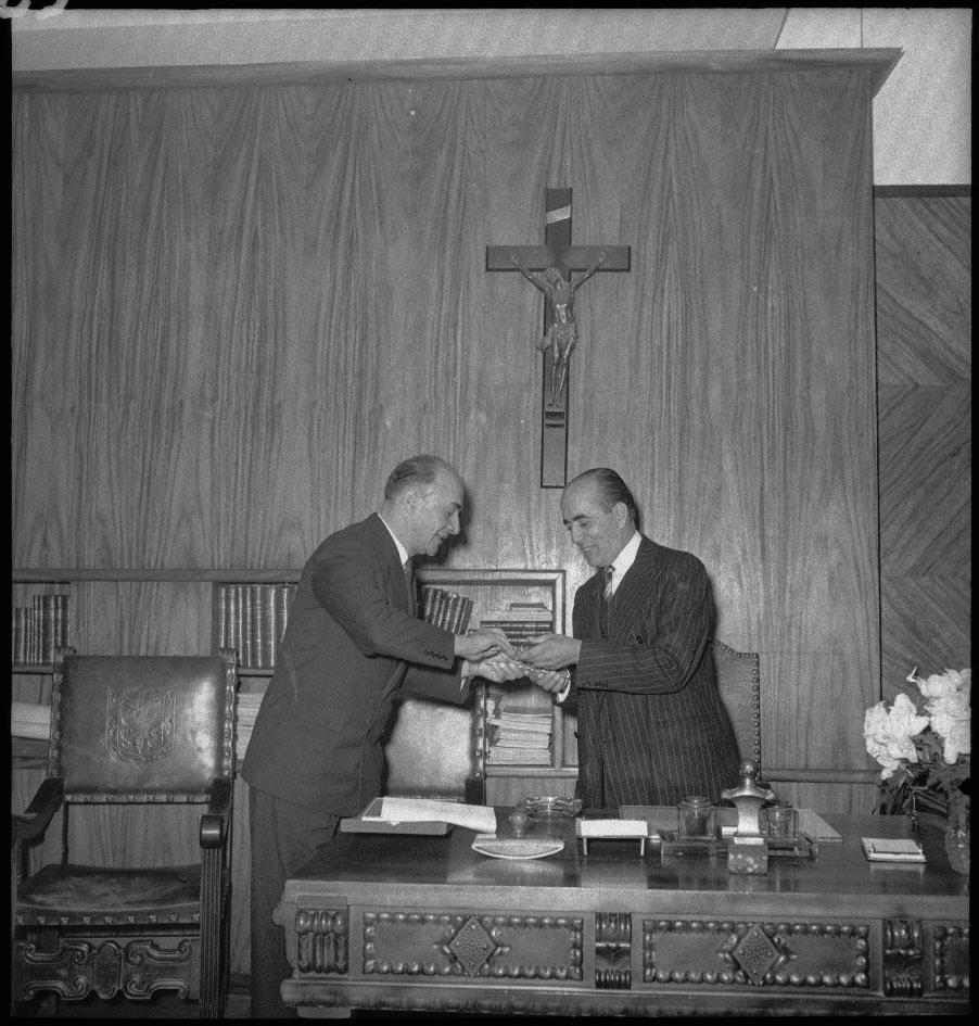 Acto de posesión de Fernando Mazuera Villegas como alcalde de Bogotá (1947-1948)