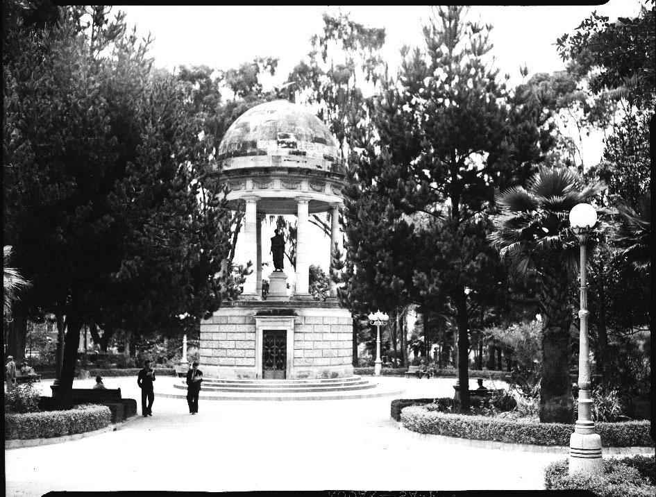 Templete del Libertador Simón Bolívar ubicado originalmente en el parque del Centenario
