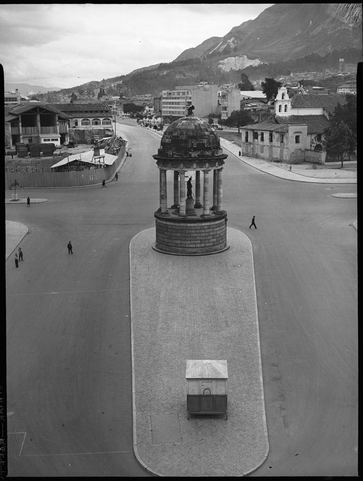 Avenida del Libertador entre calles 25 y 26
