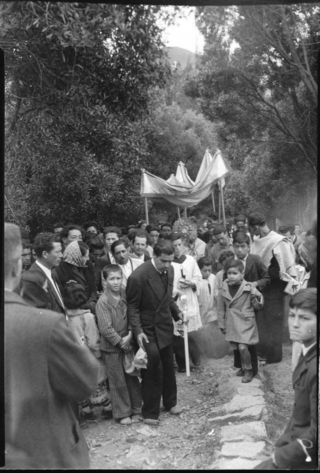 Procesión con el Santísimo Sacramento por el cerro de Monserrate