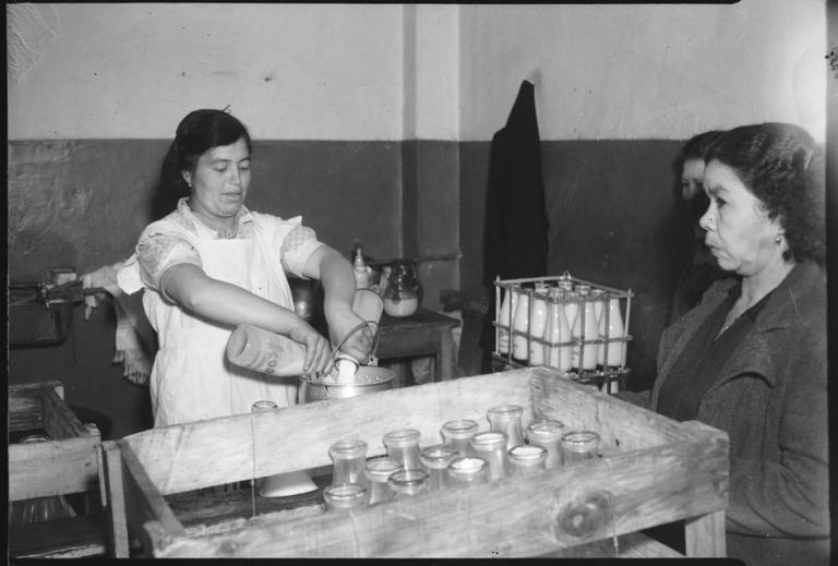 Venta de leche en Bogotá, 1948